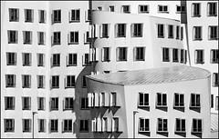 Gehrys Windows (Logris) Tags: gehry düsseldorf dusseldorf bw sw windows fenster architektur architecture medienhafen