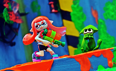 Splatoon (RK*Pictures) Tags: rkpictures toyphotography actionfigurephotography toy actionfigure nintendo game videogame fightingskills pointedears weapon diorama amiibo figure splatoon inklinggirl ink thirdpersonshooter tps wiiu nintendoswitch squid humanoid brushbasedweaponry gun bucket hide swim girl action inklings territorycontrolgame inkweapon green orange colors splat team shoot アミーボ toystolife truecolors transforming hiding splattershot paintweapon battle style cool