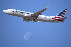 American Airlines Boeing 737-823(WL) (zfwaviation) Tags: kdfw dfw internationalairport airplane aircraft aviation spotting moon boeing 737 767 ups american aa dallasfortworth dallas fort worth texas n918an b737 737800 aal