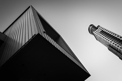 DSCF3907 (靴子) Tags: 黑白 單色 街頭 建築 結構 bw bnw street streetphoto city keelung xt2 fuji