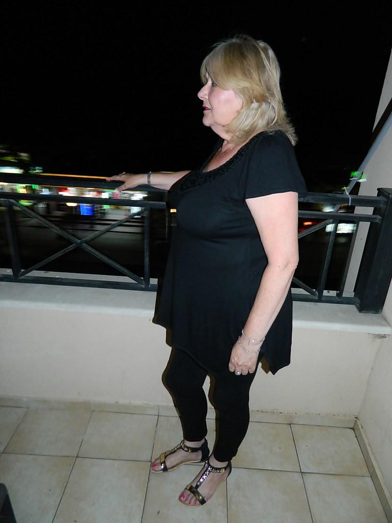 Mature woman blonde amateur