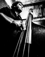 Bigo plays the blues. Dezembro de 2010 no Butiquin Wollstein, em Blumenau. #music #gig #bass #musician #blumenau #wollstein #jazz #blues #livemusic #bw #pb #blackandwhite #pretoebranco (Leo Laps) Tags: ifttt instagram