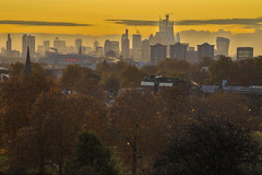 Autunno a Londra / Autumn in London (London skyline from Primrose Hill, London, United Kingdom) (AndreaPucci) Tags: london uk primrose hill autumn sunrise cityoflondon canarywharf andreapucci