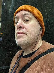 Day 2498: Day 308: In the bus tunnel (knoopie) Tags: 2018 iphone picturemail november doug knoop knoopie me selfportrait 365days 365daysyear7 year7 365more day2498 day308