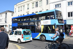 MB 6984 @ Churchill Square, Brighton (ianjpoole) Tags: metrobus scania n270ud omnicity yp09hwt 6984 working route 273 churchill square brighton crawley railway station