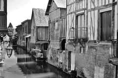IMG_2031 (2) (TerryZz) Tags: france 20something travel canon normandie monochrome blackwhite