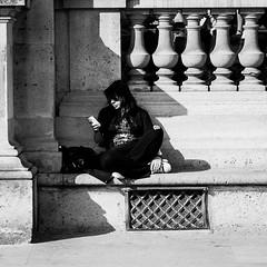 Veronica Boulanger (laurent.dufour.paris) Tags: 135mm 2017 6x6 aprèsmidi automne bancpublic black blackandwhite blanc bw candid canon city eos5dmarkiii europe everybodystreet extérieur femme france iledefrance life lifeisstreet louvre monochrome noir noiretblanc paris people photographiederue printemps regardsparisiens rue soleil streetphoto streetphotography streetphotographer streetofparis streetoftheworld ville white
