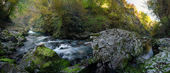 Vintgar gorge (dieLeuchtturms) Tags: julischealpen herbst europa canyon 21x9 vintgarklamm panorama wald alpen slowenien 235x100 7x3 alpigiulie alps bledgorge europe julianalps julier julijskealpe republikaslovenija slovenia soteskavintgar vintgargorge autumn fall forest blejskadobrava radovljica si