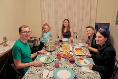 Christmas Dinner (Piedmont Fossil) Tags: christmas 2018 dinner food crabcakes glenn teagan kelly mary anne