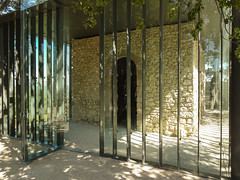 Château La Coste, Le Puy-Sainte-Réparade (jacqueline.poggi) Tags: artcenter bouchesdurhône centredartcontemporain france lepuysainteréparade provence tadaoando architecte chapel chapelle châteaulacoste sculpture