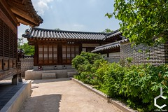 _IMG3081-131 (JChilleo) Tags: geyongbokgung palace korea korean asia asian sky blue clouds green tree trees foliage plants bush bushes shrubbery shrubberies handcrafted old artistry artwork art colors pagoda shrines shrine seoul