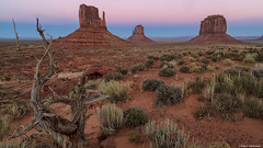 Monument Valley at Sunrise (Neha & Chittaranjan Desai) Tags: monument valley utah usa south west travel twilight nationalpark landscapes lone tree sunrise