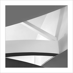 Gugg VI (ximo rosell) Tags: bn blackandwhite bw buildings museu minimal arquitectura architecture abstract abstracció bilbao guggenheim llum luz light geometría ximorosell cuadrado squares