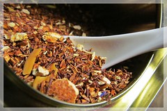 time for the tea :) (green_lover (I wait for your COMMENTS!)) Tags: tea rooibos macro macromondays brew can frame