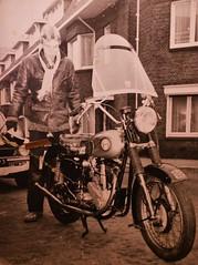 1976 Unknown Pictures (Steenvoorde Leen - 13.2 ml views) Tags: 2018 familie unknownpictures onbekendefotos familia family relatives kin proches faniglia parentado oldpicture oldphoto 1976 boy motorfiets motor motorbike motorcycle moto velomotor kraftfahrrad motorrad kraftrad motorcicleta motocicletto motocicleta amsterdam