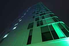 Hotel Holiday Inn Stadtpark (Elbmaedchen) Tags: architektur architecture grün green illumination stadtpark hamburg holidayinn fassade unterwegsmitkarin