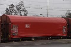 DB Cargo Shimmns-ttu 722 / 31  80  467 5 523-3  D-DB in station Emmerich am Rhein 12-01-2019 (marcelwijers) Tags: db cargo shimmnsttu 722 31 80 467 5 5233 ddb station emmerich am rhein 12012019 riv uic type s deutsche bahn drehgestellflachwagen mit vier radsätzen verschiebbarem planenverdeck und lademulden für coiltransporte schweren witterungsempfindlichen blechrollen