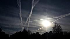 ALBA con scie di condensazione (Gi@nni B.) Tags: alba sunrise nuvolealmattino cloudsinthemorning tracce sciedicondensazione contrails