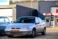 Citroën Xantia 3.0i V6 Exclusive Automatic (Skylark92) Tags: nederland netherlands holland brabant noordbrabant heusden heesbeen citroënforum najaarsmeeting road tree windshield wheel citroën xantia 30i v6 exclusive automatic 66dsnn 1999 onk