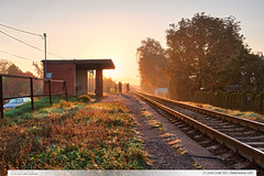 17,3 km   trať 331   Želechovice n.Dř. (jirka.zapalka) Tags: railwaystation stanice zastavka train trat331 zelechovicenaddrevnici morning autumn sunrise