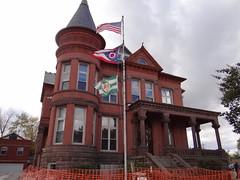Former Pickaway County Sheriff's Residence and Jail (1889) (jaci starkey) Tags: 2012 ohio pickawaycounty jails