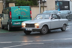 Peugeot 304 cabriolet (CHRISTOPHE CHAMPAGNE) Tags: 2018 france epernay marne champagne habits lumiere peugeot 304 cabriolet