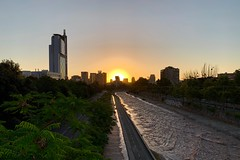 Last day of the year 2018 (a l o b o s) Tags: providencia santiago de chile sunset atardecer 31 december 2018 parque balmaceda