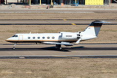 Gulfstream IV (DPhelps) Tags: kdal dal dallaslovefield airport airplane plane aircraft airliner texas glf4 gulfstream 4 n606mh