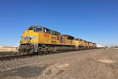 UP 9092 Pueblo 9 Nov 18 (AK Ween) Tags: up unionpacific up9092 emd sd70ace sd70ah sd70aht4c pueblo colorado jointline mnypu train railroad armouryellow