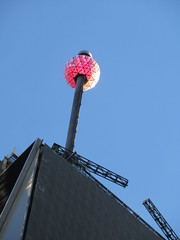 Lighted Red Waterford Crystal Ball on Pole 4758 (Brechtbug) Tags: number one times square building with lighted red waterford crystal ball pole 2018 new york city looking south nyc broadway architecture holiday buildings signs year years ad electronic billboard 11122018 november
