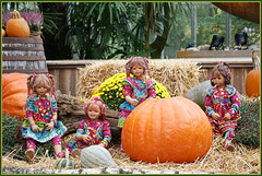 Kindergartenkinder ... (Kindergartenkinder 2018) Tags: schloss arcen herbstzauber kindergartenkinder annemoni milina sanrike tivi