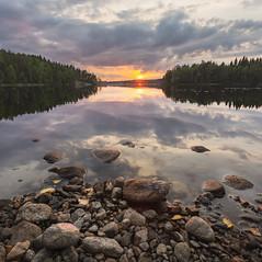 Longing for sun (Jani Mielonen) Tags: susiniemi vesi mikkeli sunset water auringonlasku
