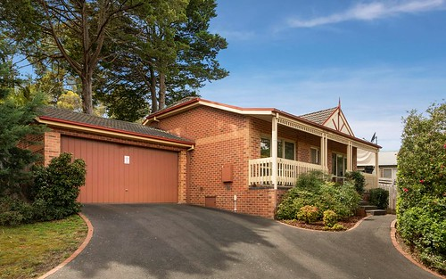 1/135 Sherbourne Rd, Montmorency VIC 3094