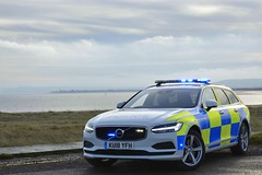 KU18 YFH (S11 AUN) Tags: cleveland police volvo v90 d5 powerpulse estate demo demonstrator anpr armed response vehicle arv traffic car roads policing unit rpu 999 emergency ku18yfh