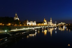 IMG_0320 (AndyMc87) Tags: dresden ufer promenade nacht night reflection buildings architecture architektur travel holiday elbe kuppel bau semper oper frauenkirsche fluss stream blue hour clear sky canon eos 6d panorama boat schiffe streets lantern lightstreams langzeitbelichtung longtimeexposure longtime bridge