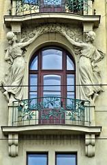 Prager Fassadendetails - 10 (fotomänni) Tags: prag prague praha jugendstil fassadenfiguren skulptur skulpturen sculpture kunst art manfredweis