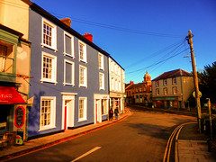 Llandeilo, Carmarthenshire, Wales (photphobia) Tags: llandeilo carmarthenshire wales uk greatbritain oldwivestale oldtown markettown holiday rivertowy buildings buildingarebeautiful architecture