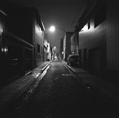 (llorieb) Tags: street night nightphotography city light alley loneliness silence analog film darkroom mamiya6 analogue blackandwhite buenosaires winter streetphotography
