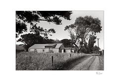 Blakey's Barn (radspix) Tags: yashica 230af af 3570mm f3345 macro ilforf fp4 plus pmk pyro