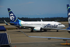 B737-700 Alaska Airlines New Colors (Infinity & Beyond Photography: Kev Cook) Tags: alaska airlines boeing 737 b737 aircraft airliner seattle international airport seatac se ksea planes