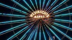 Weihnachtsmarkt Rostock 2018 (Zarner01) Tags: rostock mecklenburg deutschland germany hansestadt weihnachtsmarkt 2018 langzeitbelichtung jahrmarkt riesenrad wiener sportrad weihnachtspyramide canon eos 80d efs ef 24105l sigma 1750 f28 os hsm nachtaufnahmen neuer markt rsag rathaus 800 jahre lange str ospa mecklenburgvorpommern weihnachtlichebeleuchtung