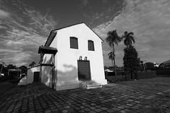 Igreja em Jaraguá  (5906) (Jorge Belim) Tags: 1022 canoneos7d pb