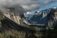 Tunnel View - Yosemite (itsBryan) Tags: california unitedstates us yosemite toyota tacoma sonyg sony sonyalpha sonya7r sonya7r2 sonya7rii fall snow hetchhetchy clouds carlzeiss canyons nationalpark nature norcal dynamicrange 1point4 park 2470mm 24mm 28mm 28point2 42megapxels 70200mm roadtrip offroad