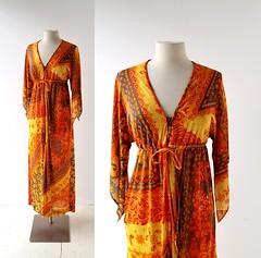 1960s Mad about Saffron caftan (Small Earth Vintage) Tags: smallearthvintage vintageclothing vintagefashion caftan kaftan 1960s 1970s muumuu orange yellow print lisannedistinctiveloungewear