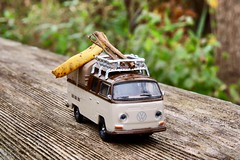 One Way to the North Pole (Haytham M.) Tags: canont7i roof rack leaves leaf log sigma1770mm classic stationwagon vw mood happy festive season presents gifts travel pole north ride drive move car