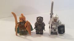 An elf, a dwarf and a man. (Treunsty) Tags: lego bricks blocks minifig lotr brickwarriors médiévale moyenâge dwarf hobbit koruit nicebricks