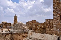 Thula (Rod Waddington) Tags: middle east yemen yemeni village thula traditional architecture stone buildings mosque minaret historical landscape tribe tribal