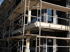 PEDB20180329-IP-1 (EricBier) Tags: 20180329driftwoodapartmentproject apartment building category construction driftwoodapartments driftwoodapartmentsproject event implement infrastructure murfeyconstructioncompany place scafold tag iphonephotos sandiego 92110