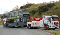 Blackpool Transports latest edition to the training fleet 339 PO51UMJ having broken down on the M65 being towed onto the Motorway Westbound at Jcn 5 in Guide, Blackburn. (Gobbiner) Tags: blackpooltransport drivertrainer eastlancs po51umj lolyne 339 bluetriangle