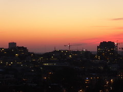The end of a fine autumn day (seikinsou) Tags: brussels belgium bruxelles belgique autumn sunset dusk light skyline sky golden